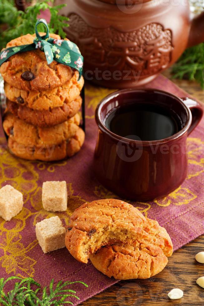 biscuits aux arachides et au chocolat. photo