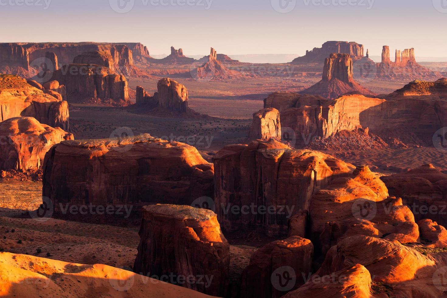 la chasse mesa avec de longues ombres au coucher du soleil photo