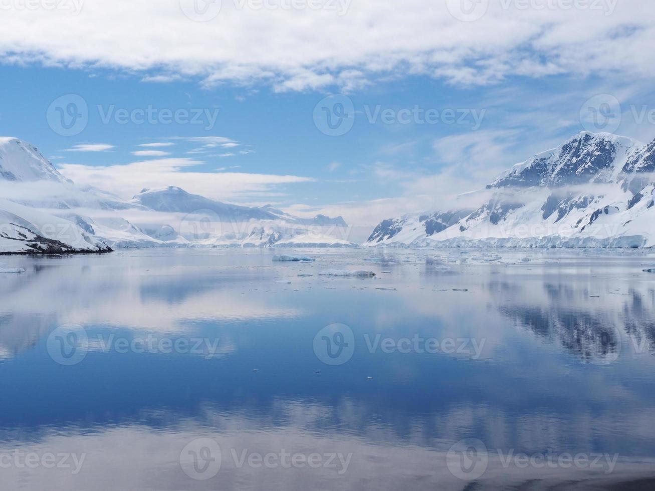 canal neumayer de l'Antarctique photo