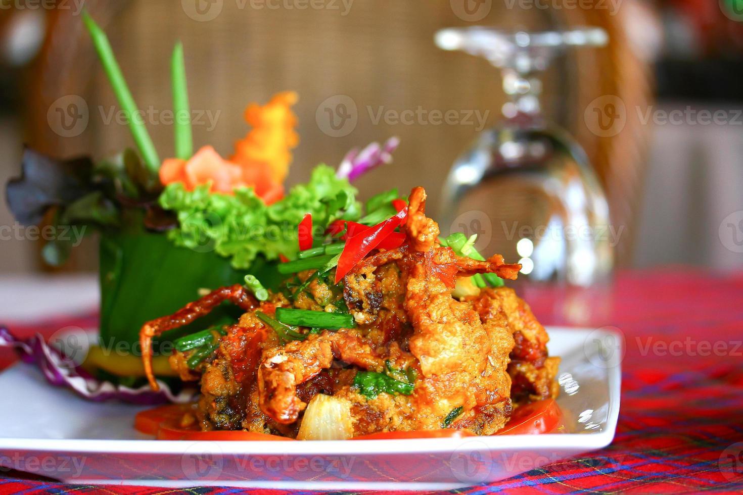 crabe frit avec de la poudre de curry photo