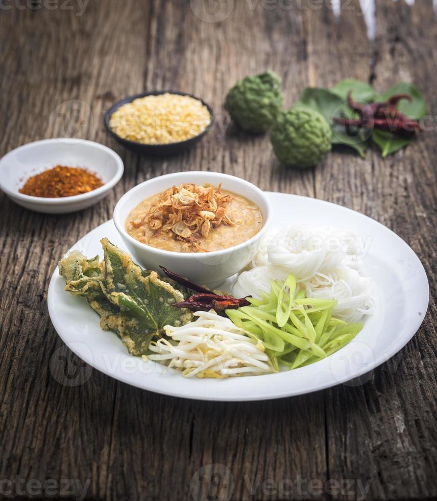nouilles de farine de riz fermenté / kanomjeen photo