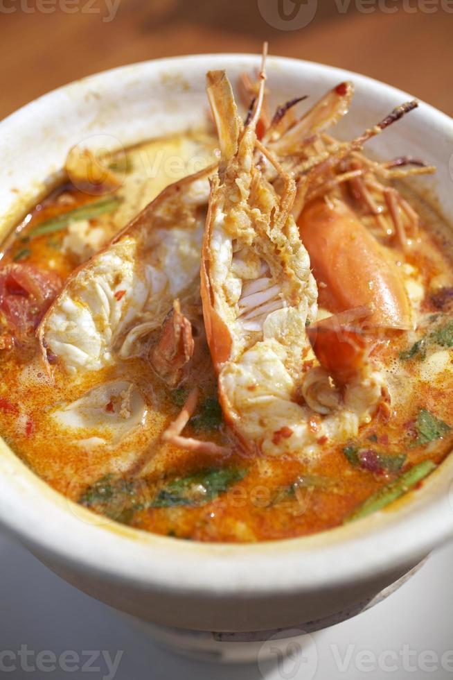 soupe aux crevettes épicées photo