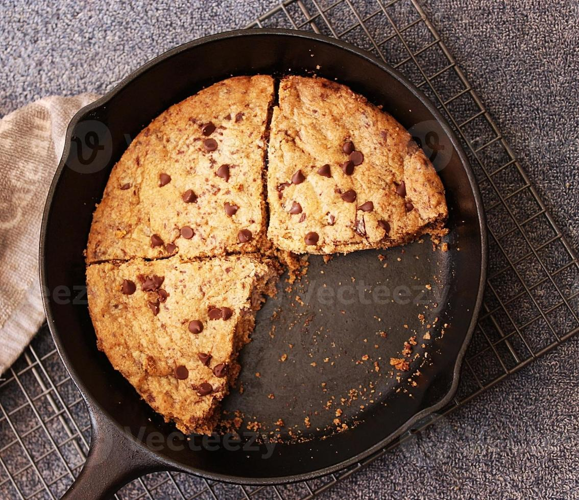 Vue de dessus des coins à biscuits à la poêle photo