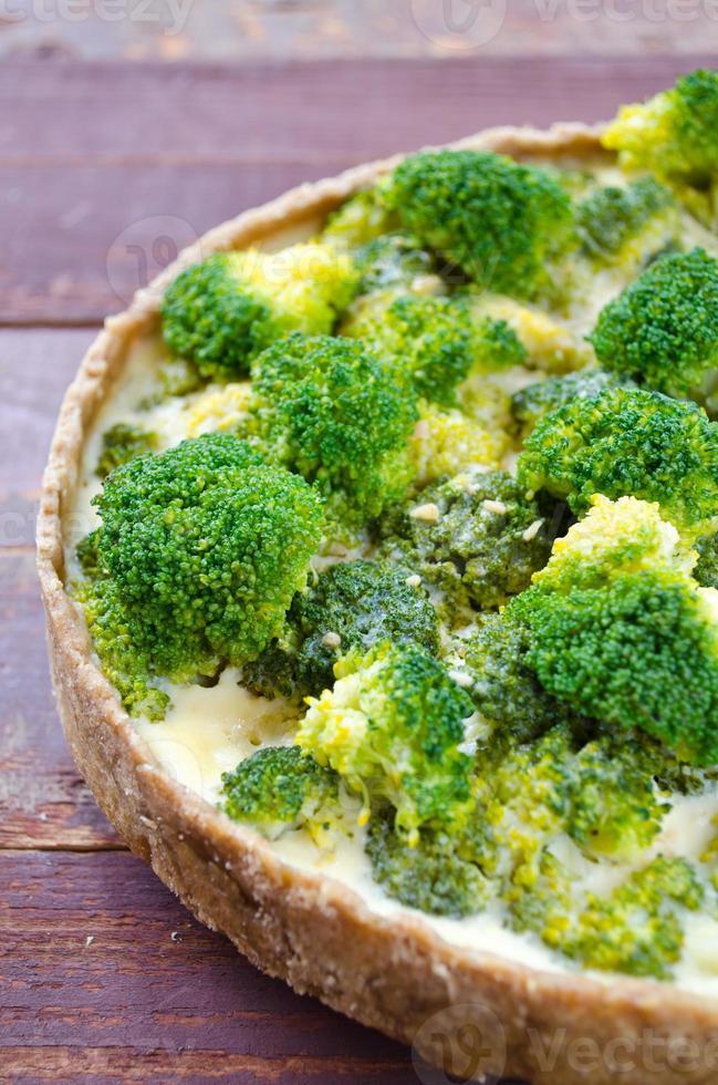 quiche maison au brocoli et fromage photo