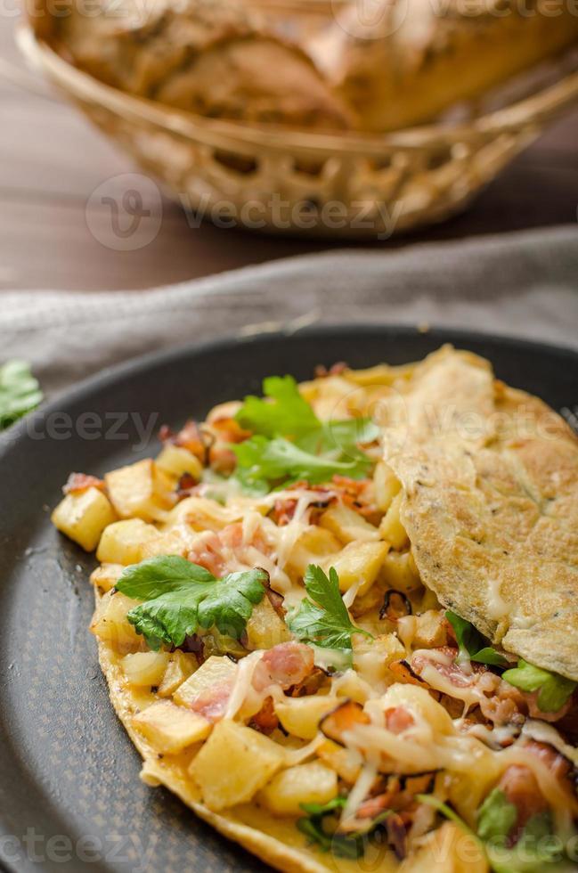 omelette aux œufs de pays photo