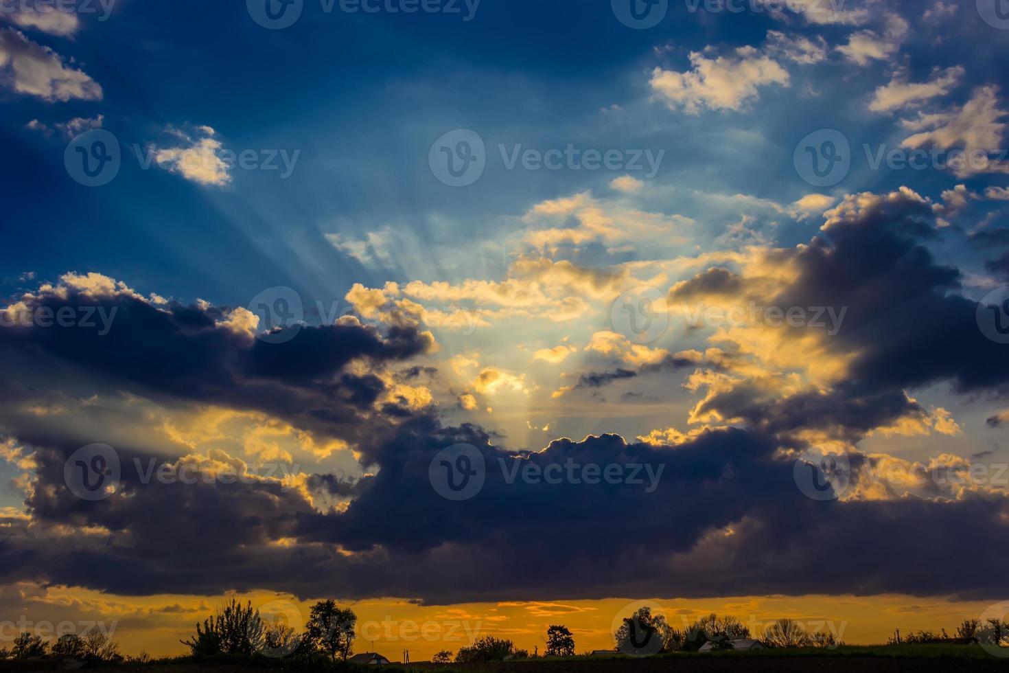 ciel pendant le coucher du soleil photo