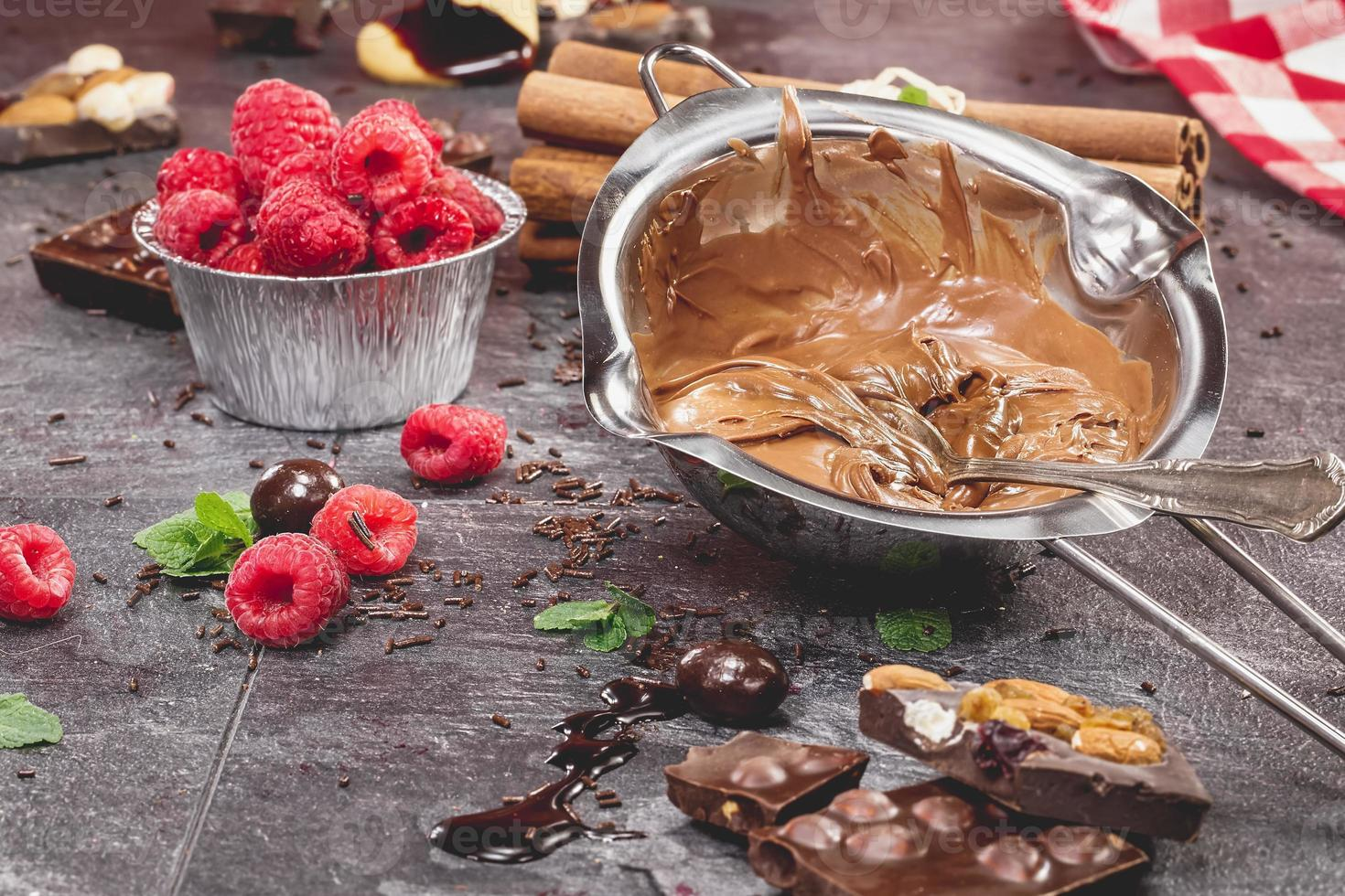 faire un gâteau au chocolat photo