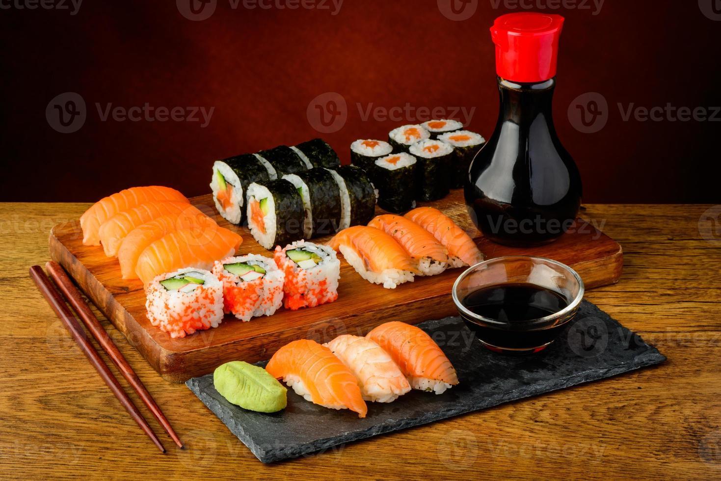 nature morte avec sushi photo