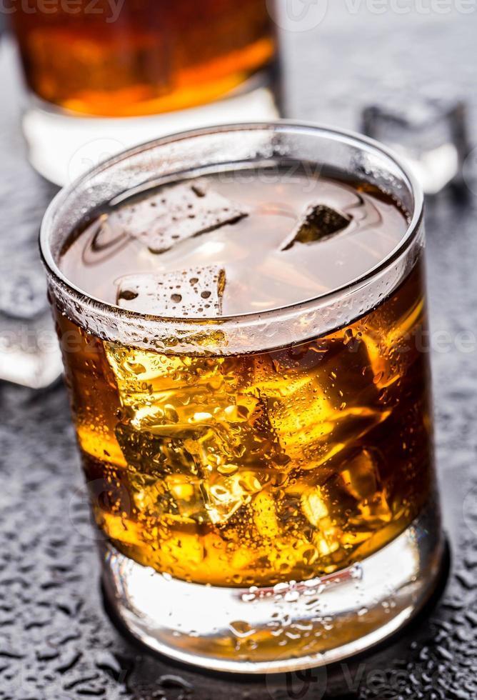 verre avec boisson alcoolisée photo