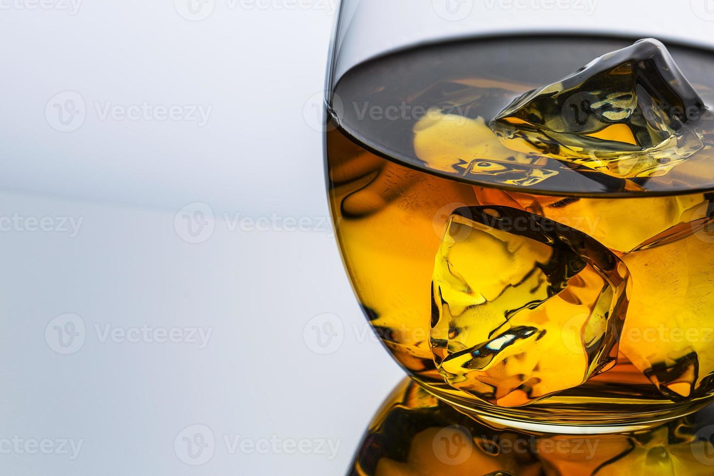 gros plan de whisky photo