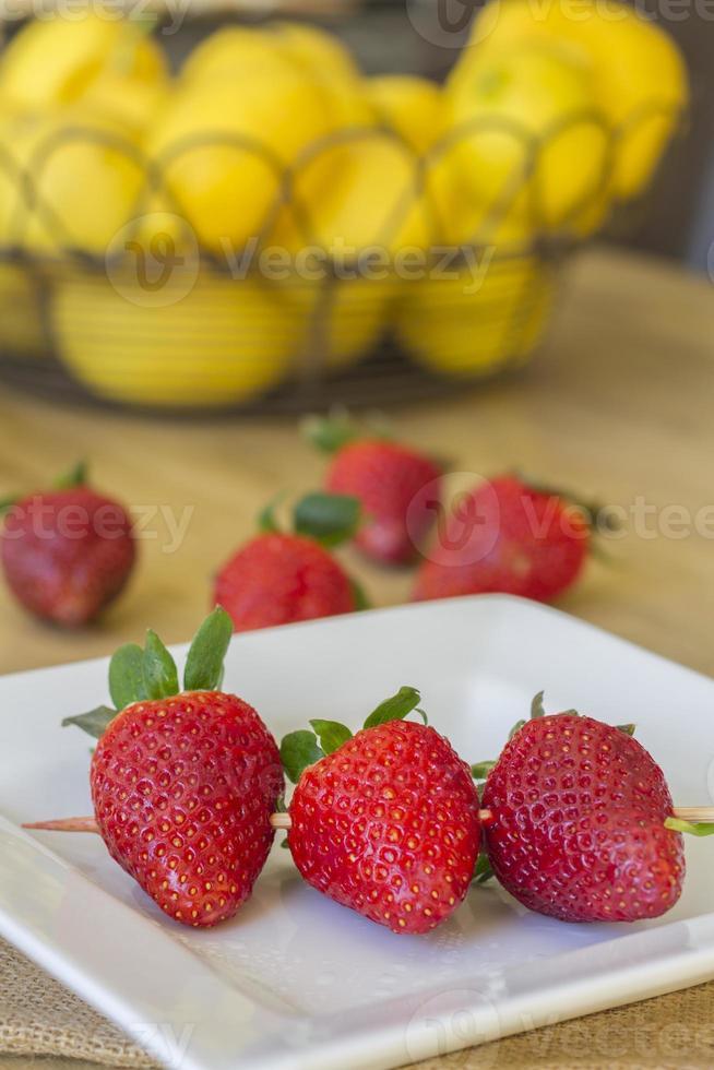 brochette de fraises photo