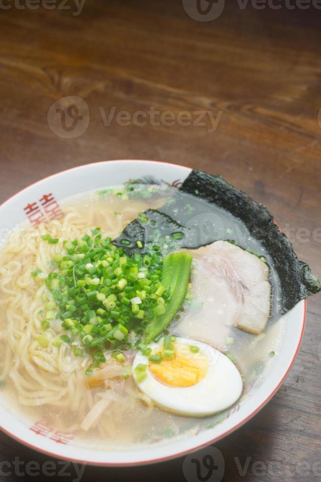 nouilles japonaises shio ramen photo