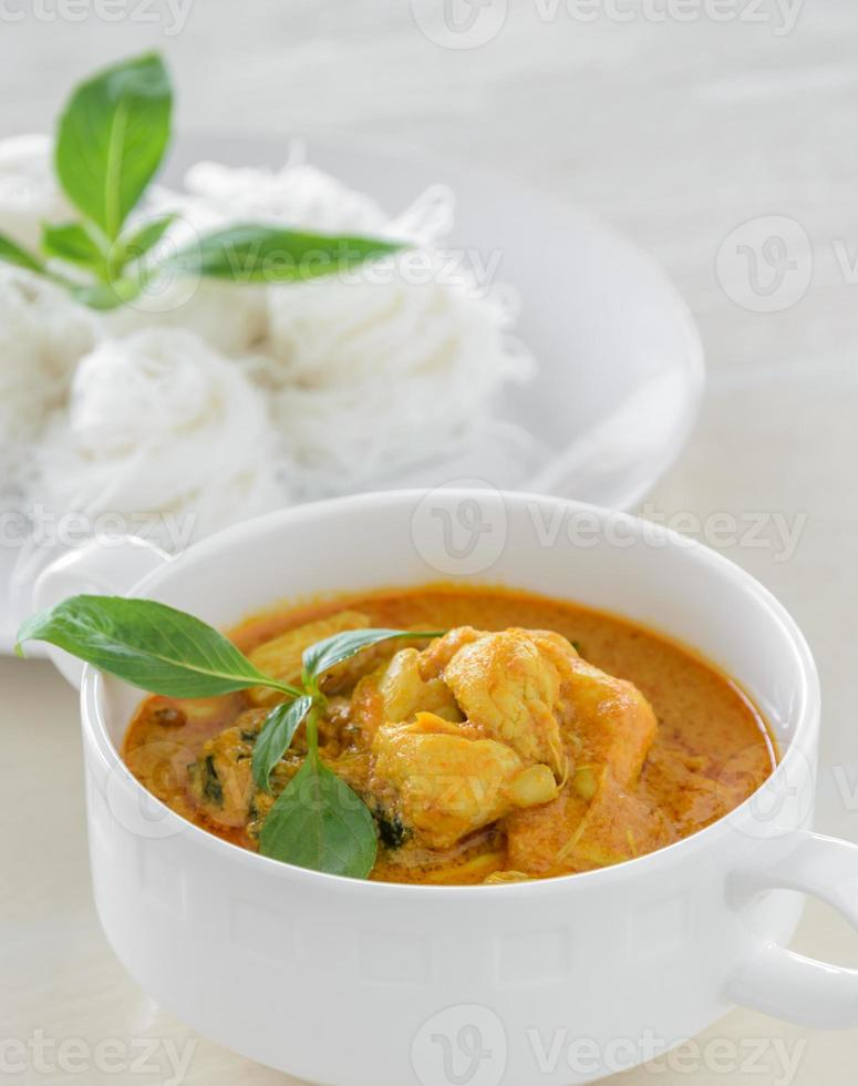 chair de crabe au curry avec nouilles de riz photo