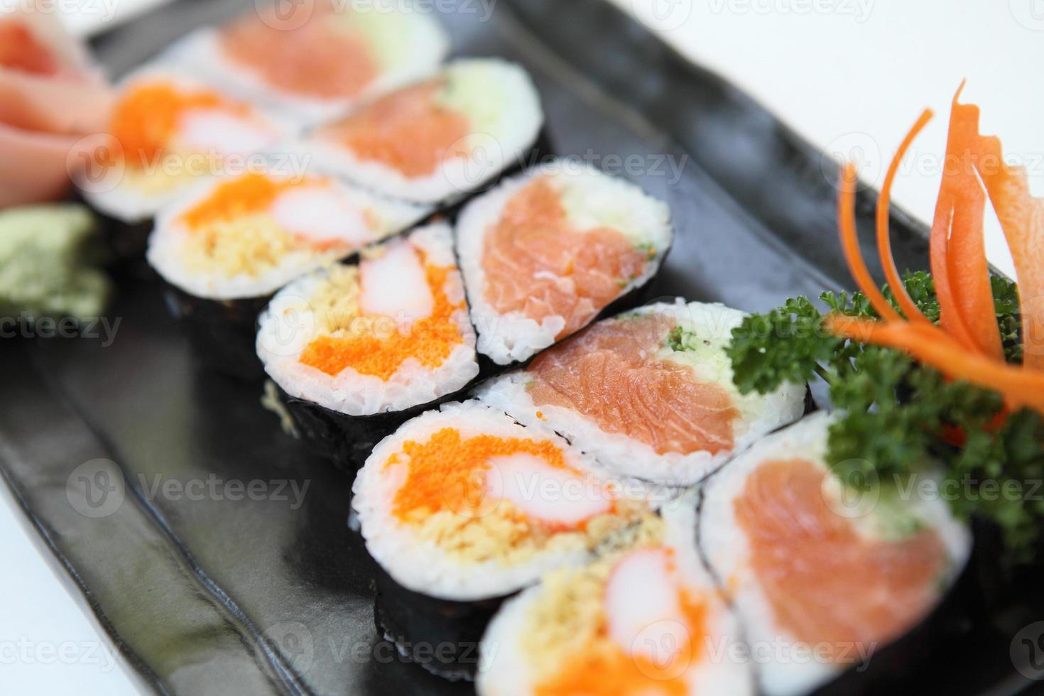 sushi maki saumon photo