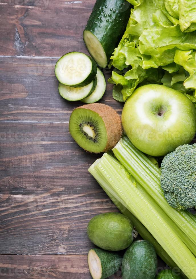 fruits et légumes de couleur verte photo