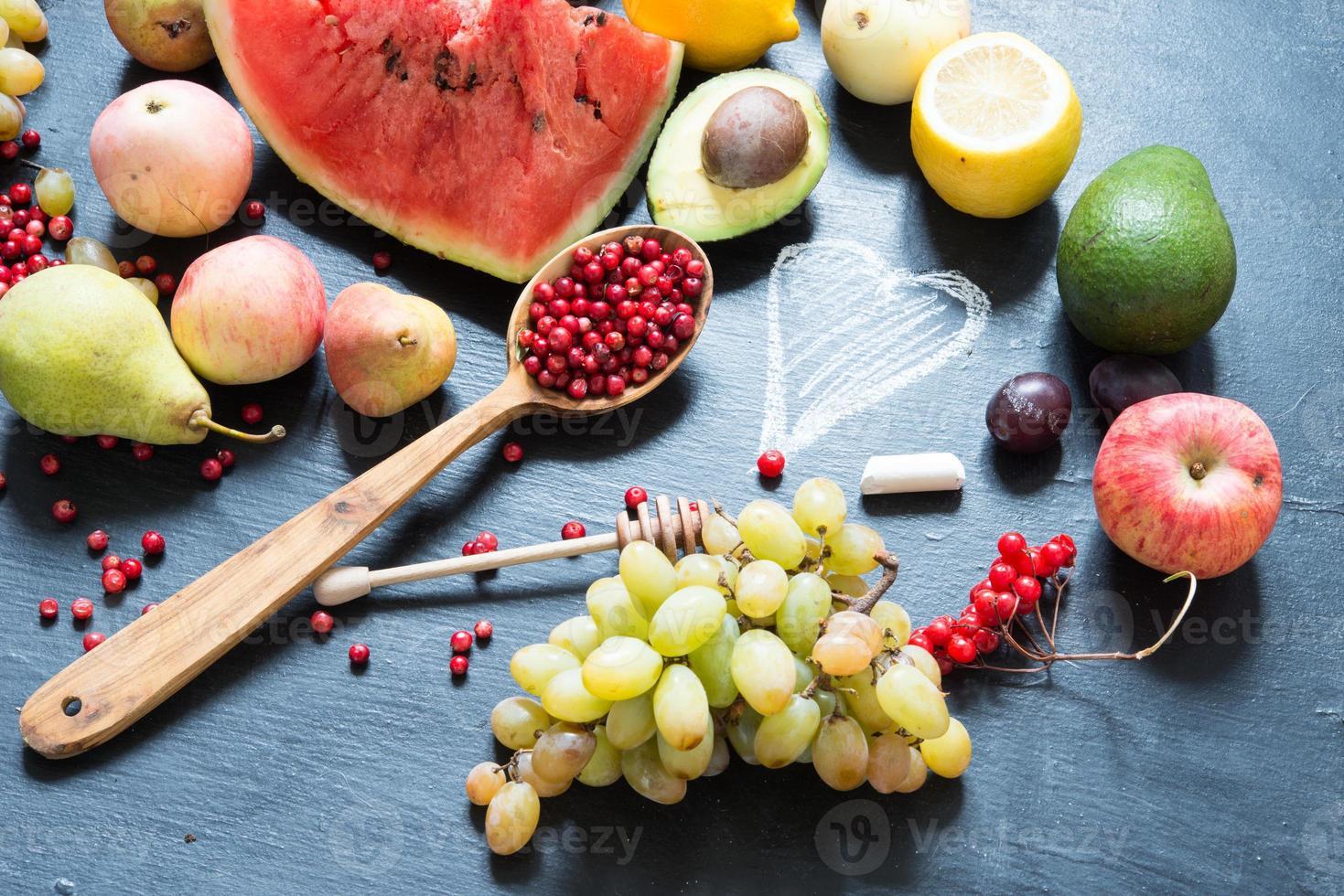 concept d'aliments sains - fruits photo