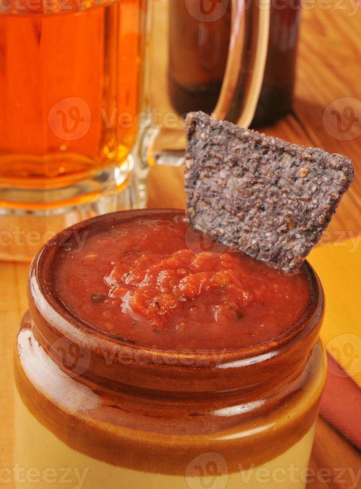 croustilles de salsa et tortilla photo