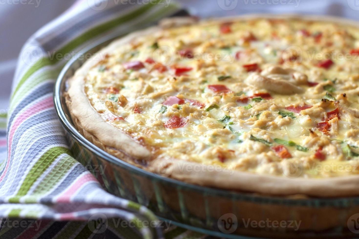 tarte au poulet avec paprika et fromage de chèvre photo