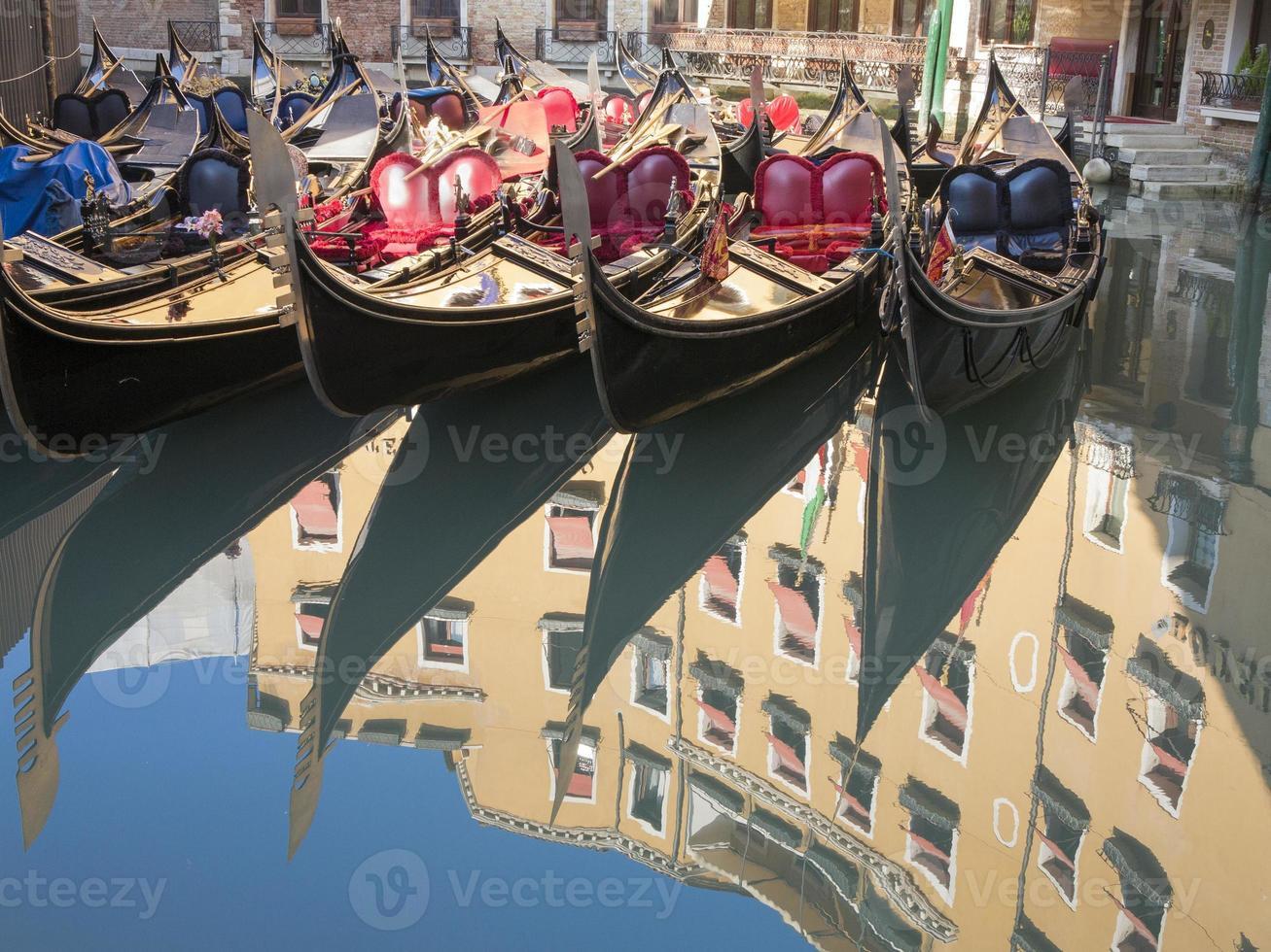 gondoles de Venise photo