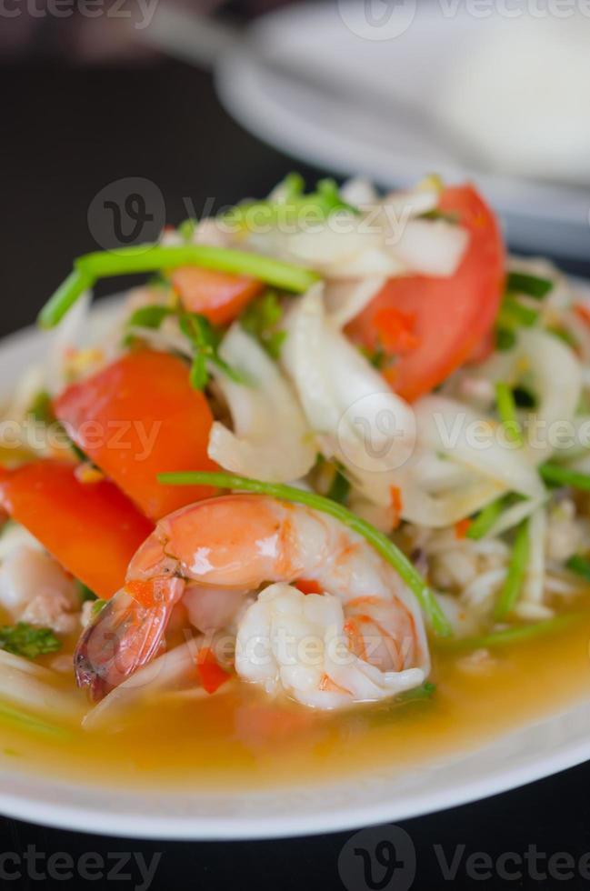 salade de crevettes épicées photo