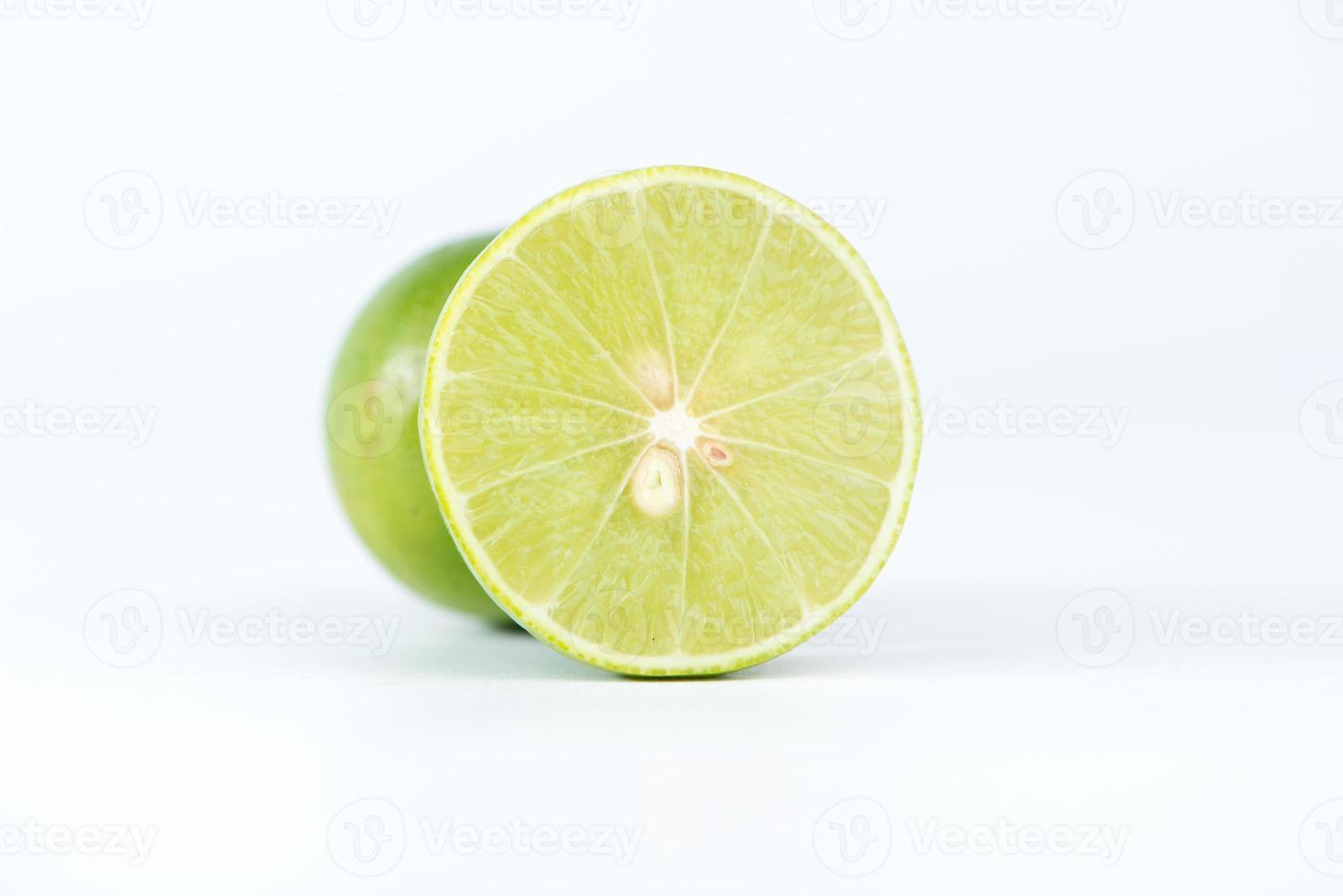 coupe transversale de citron vert photo