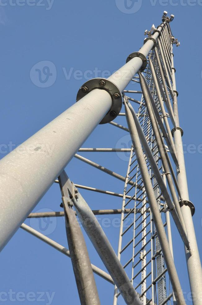 tour de télécommunication en acier photo