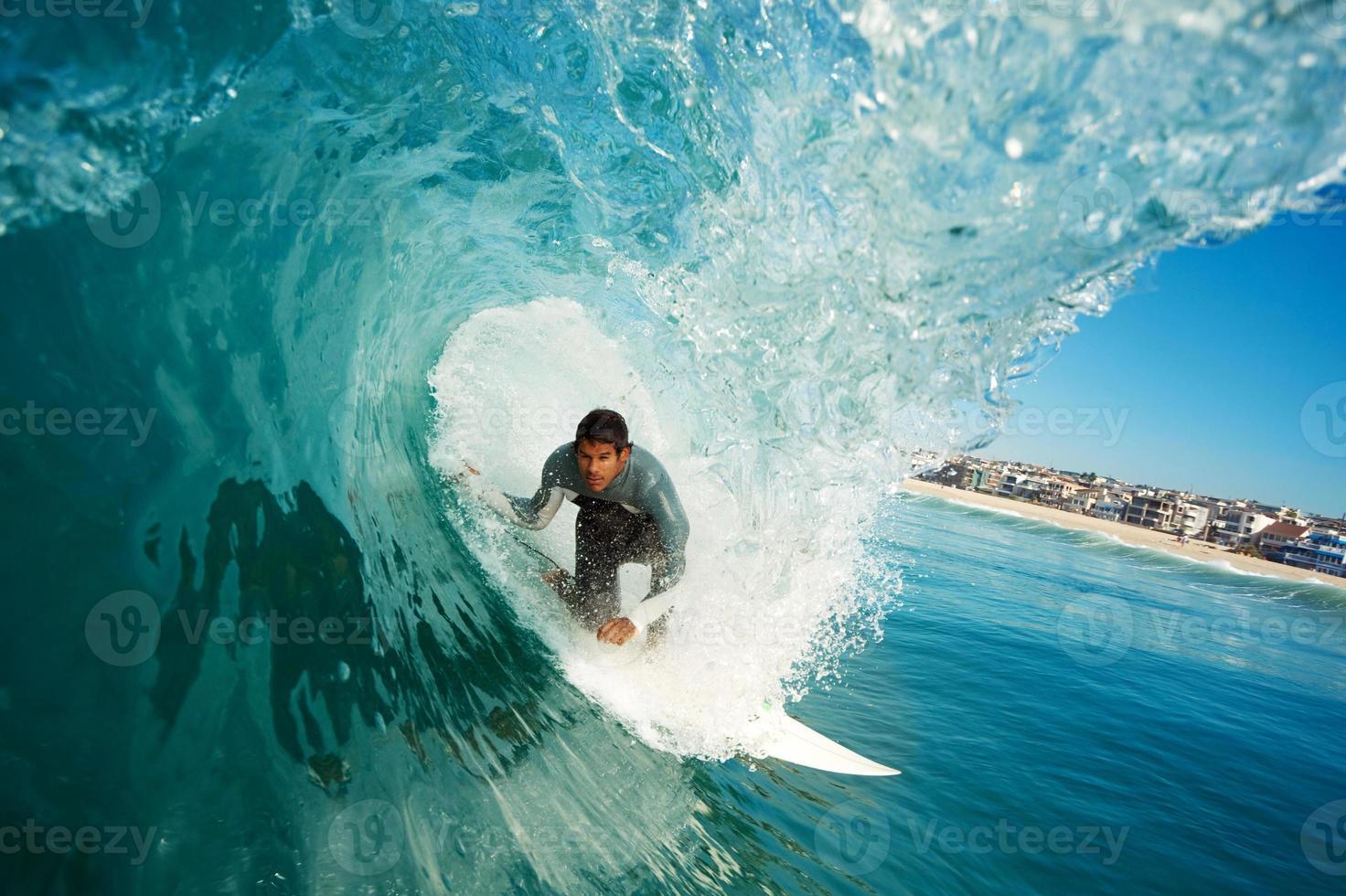 surfeur dans le tonneau photo