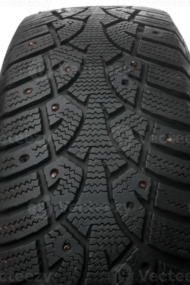 vieux pneu clouté d'hiver photo