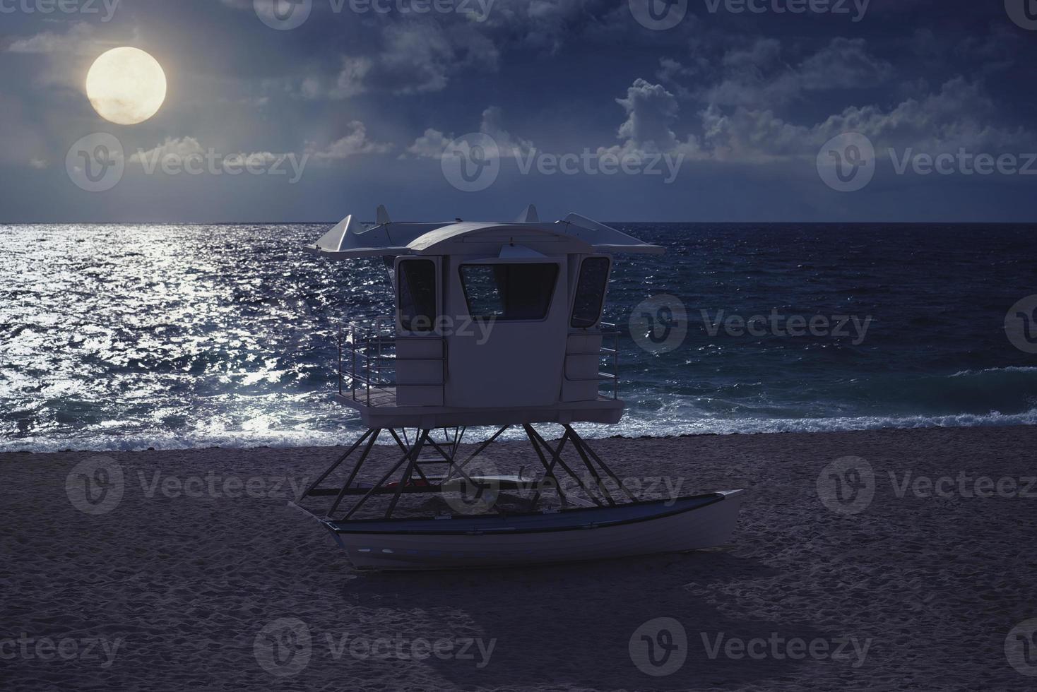 belle lune dans la nuit de la plage photo