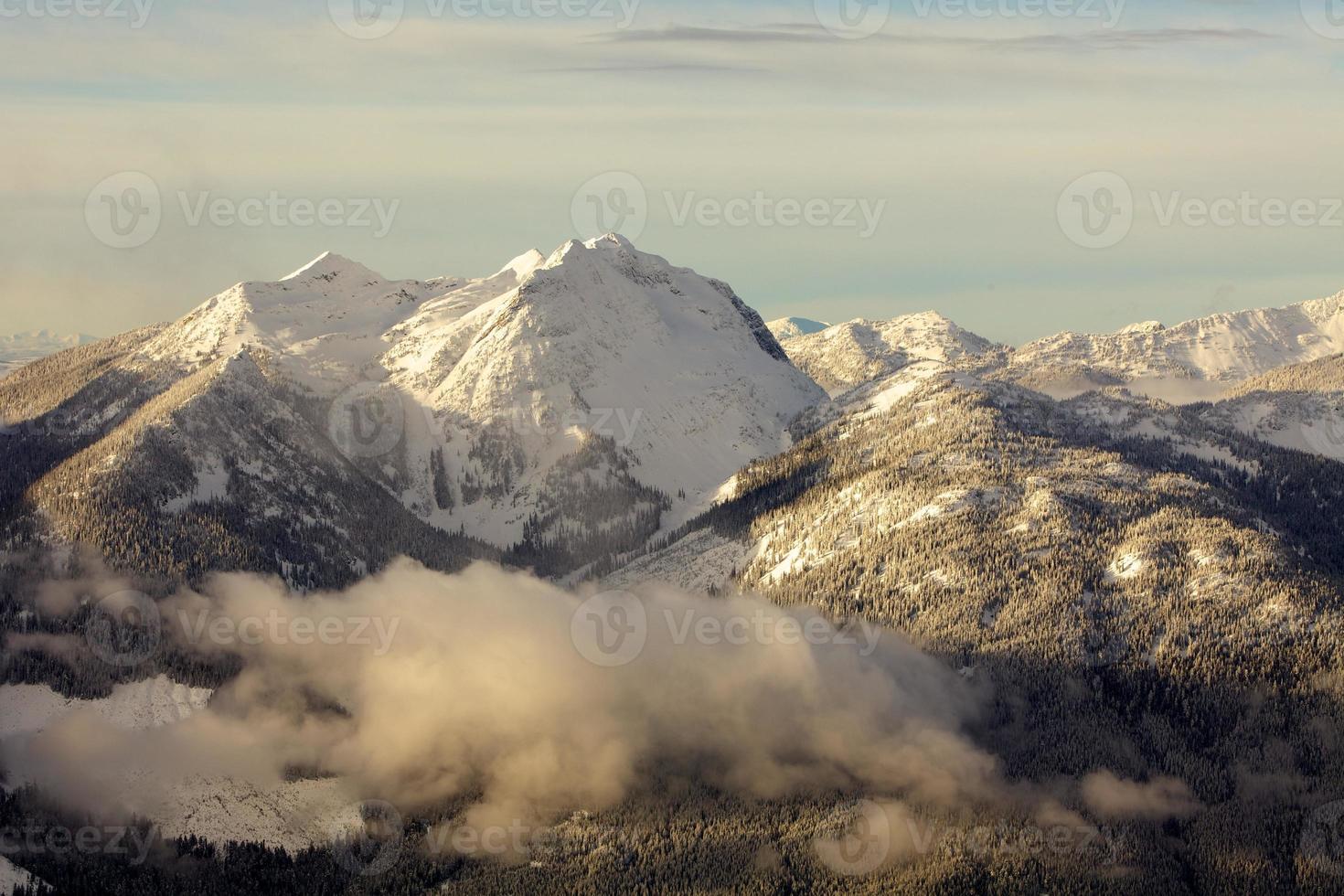 les montagnes monashee colombie britannique canada photo