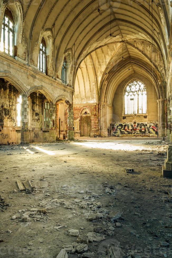église abandonnée photo