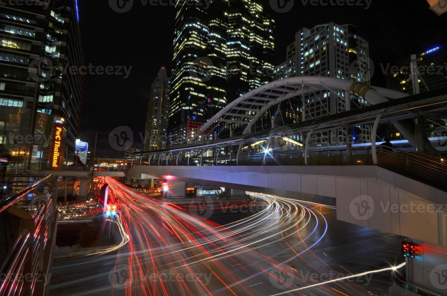 Thaïlande - Bangkok Chong Nonsi Skywalk at Bangkok Skytrain Satio photo