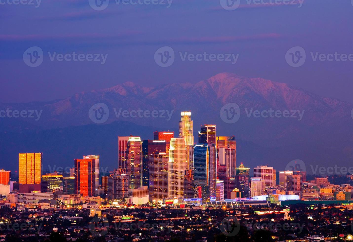 photo de nuit des toits de los angeles en californie