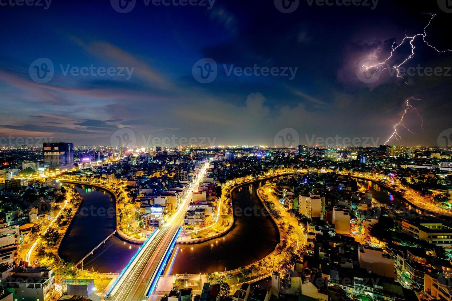 ho chi minh, vietnam - 25 novembre 2015 coucher de soleil photo