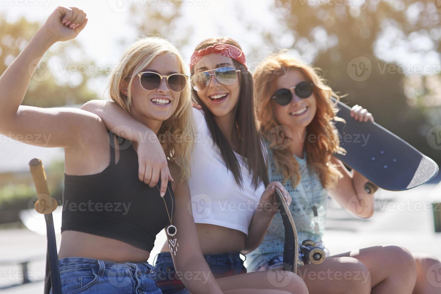 meilleurs amis passent l'heure d'été ensemble photo