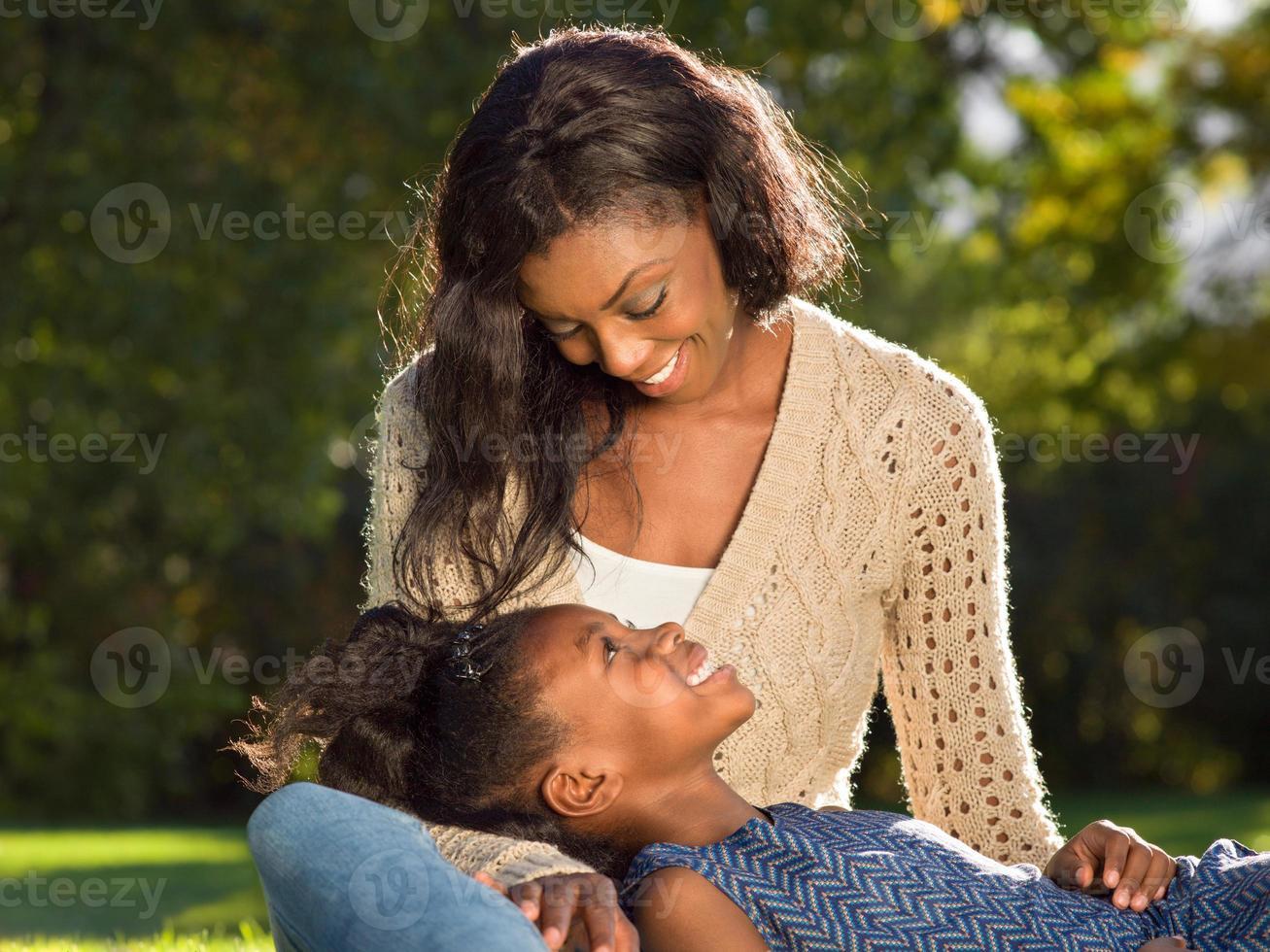 mère et enfant aerican american photo