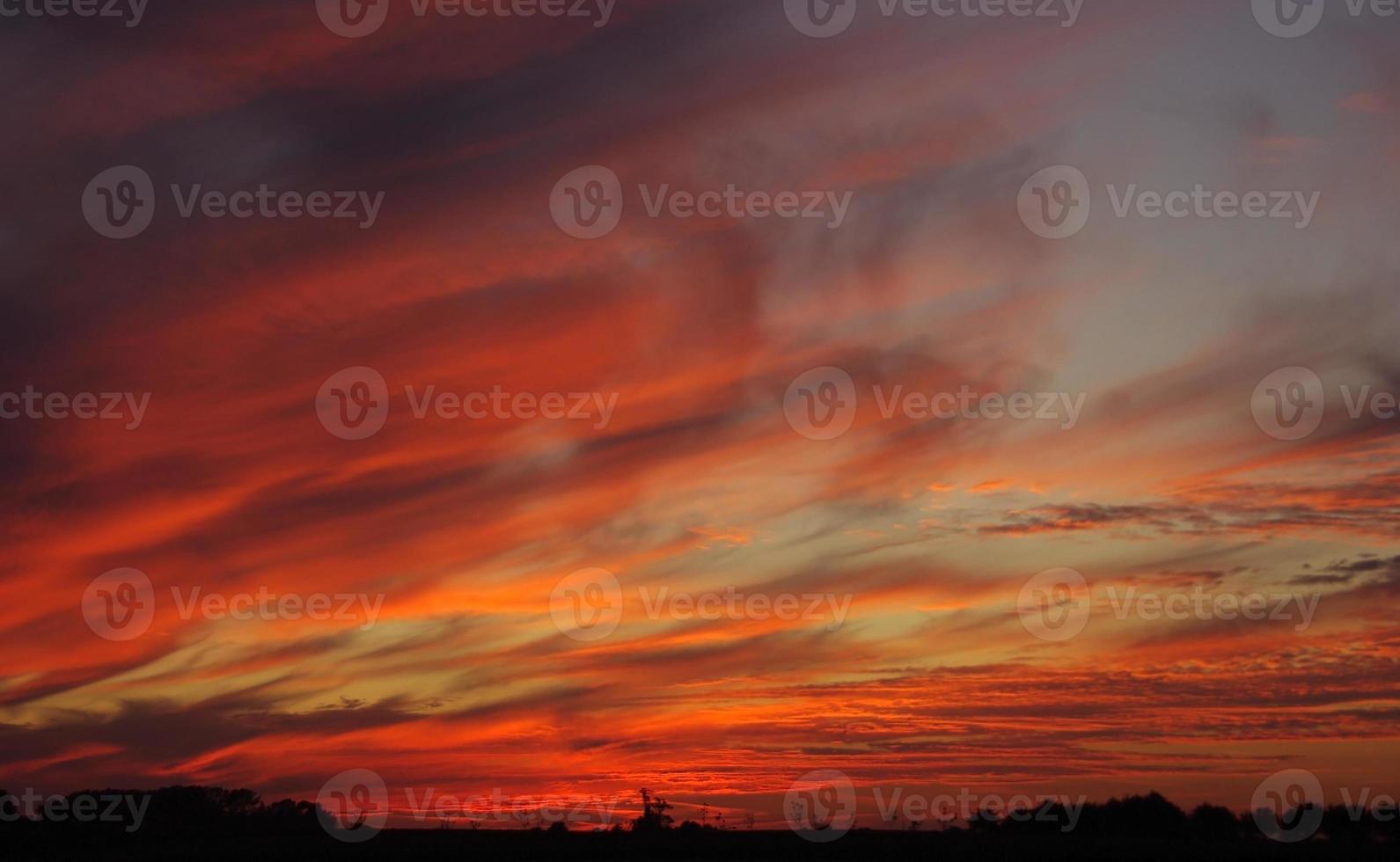 coucher de soleil rouge photo
