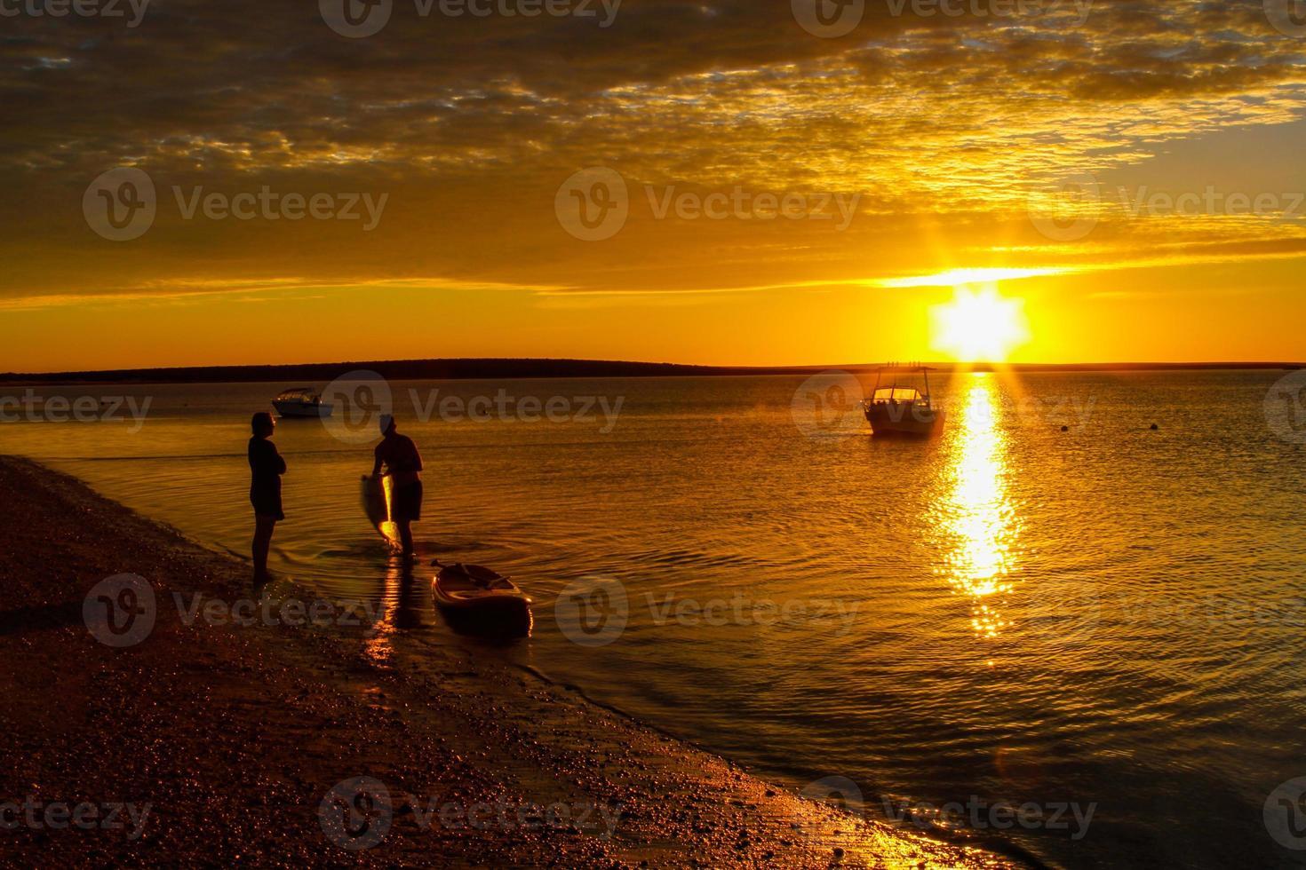 coucher de soleil plage colorée photo