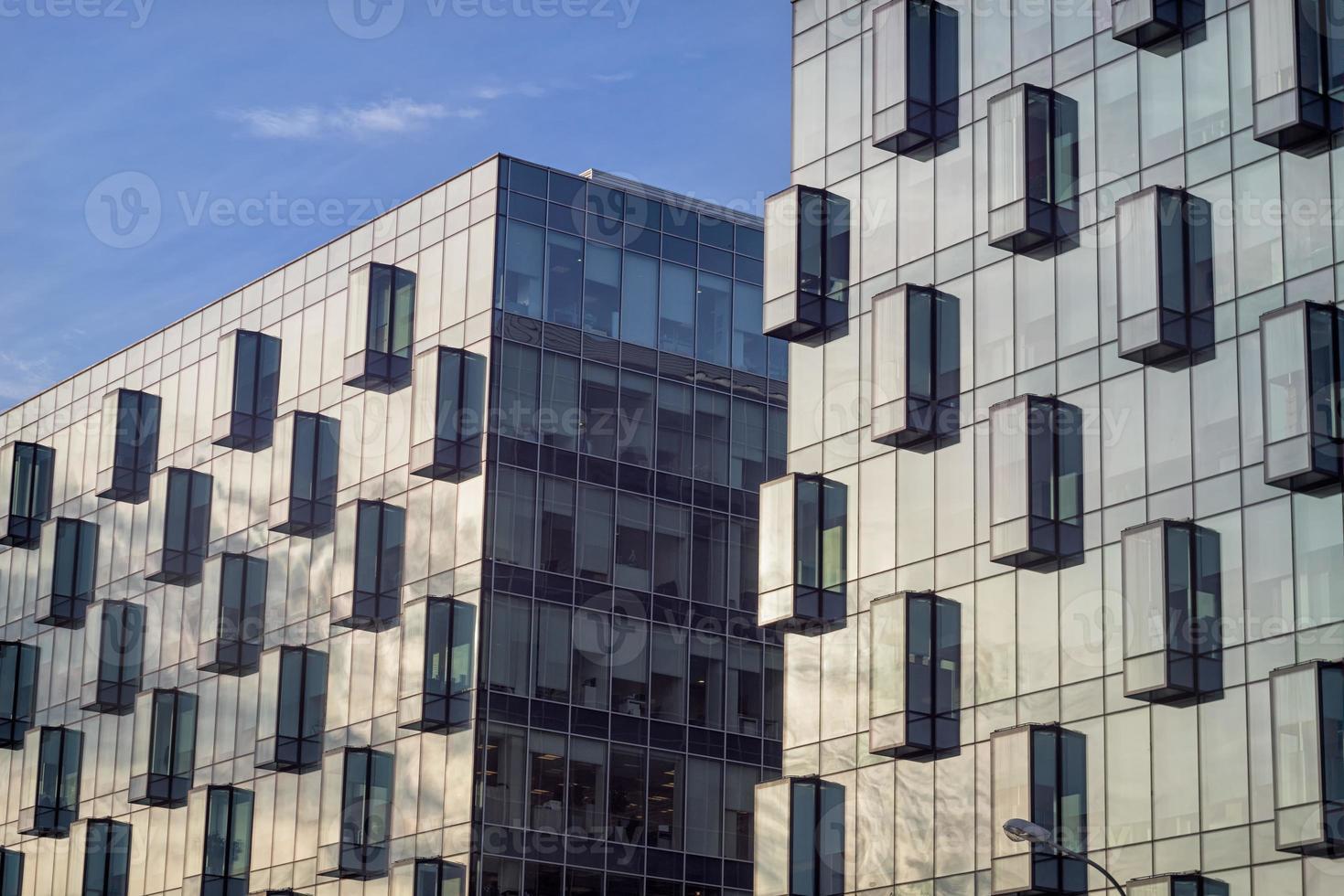 immeubles de bureaux façades vitrées photo
