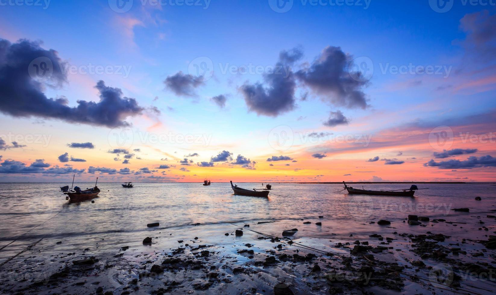 coucher de soleil avec plage photo