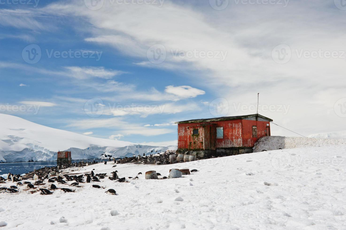 port de mikklesen avec cabane photo