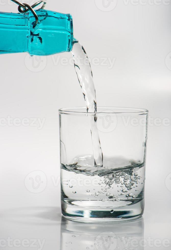 verre avec de l'eau photo