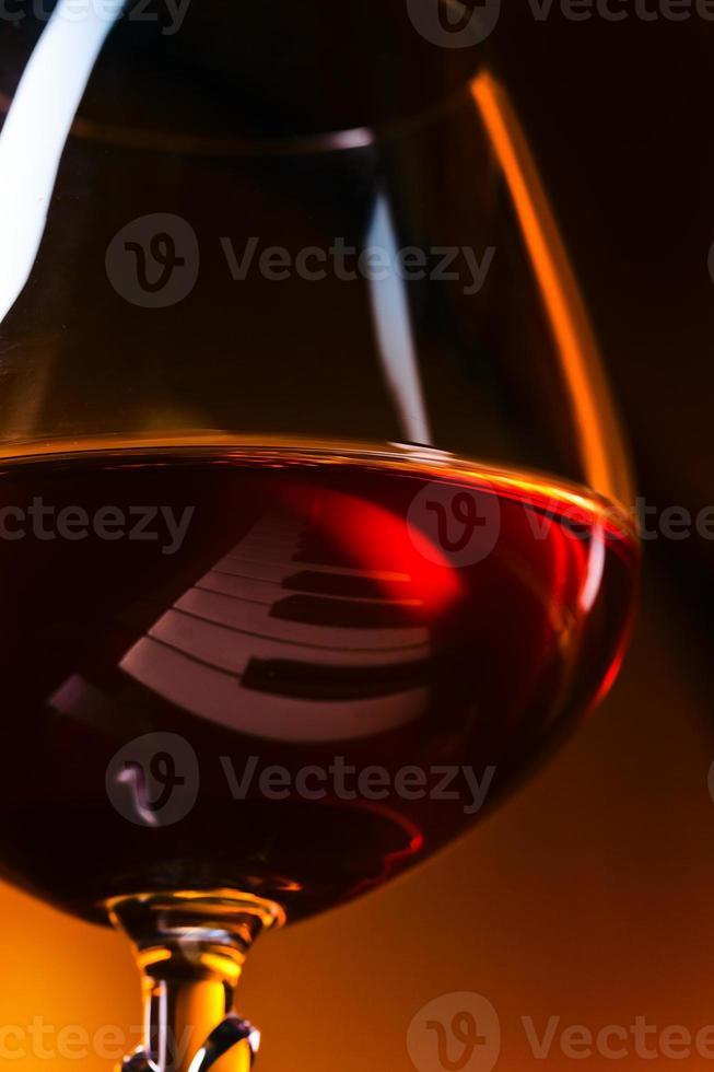 snifter avec brandy photo