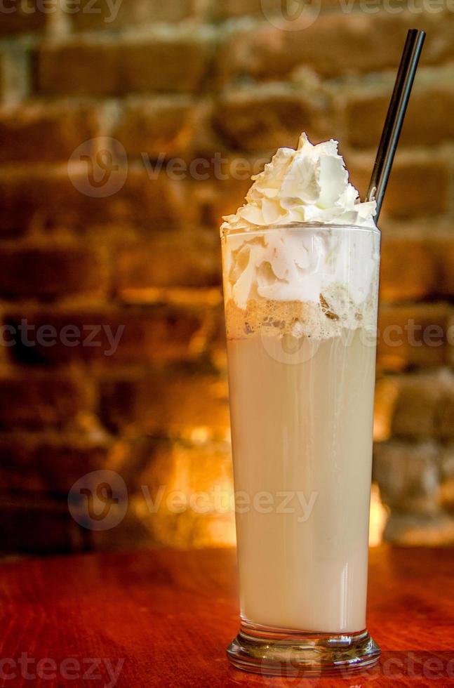 café glacé à la crème fouettée photo