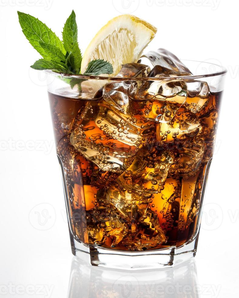 cola avec glace et citron photo