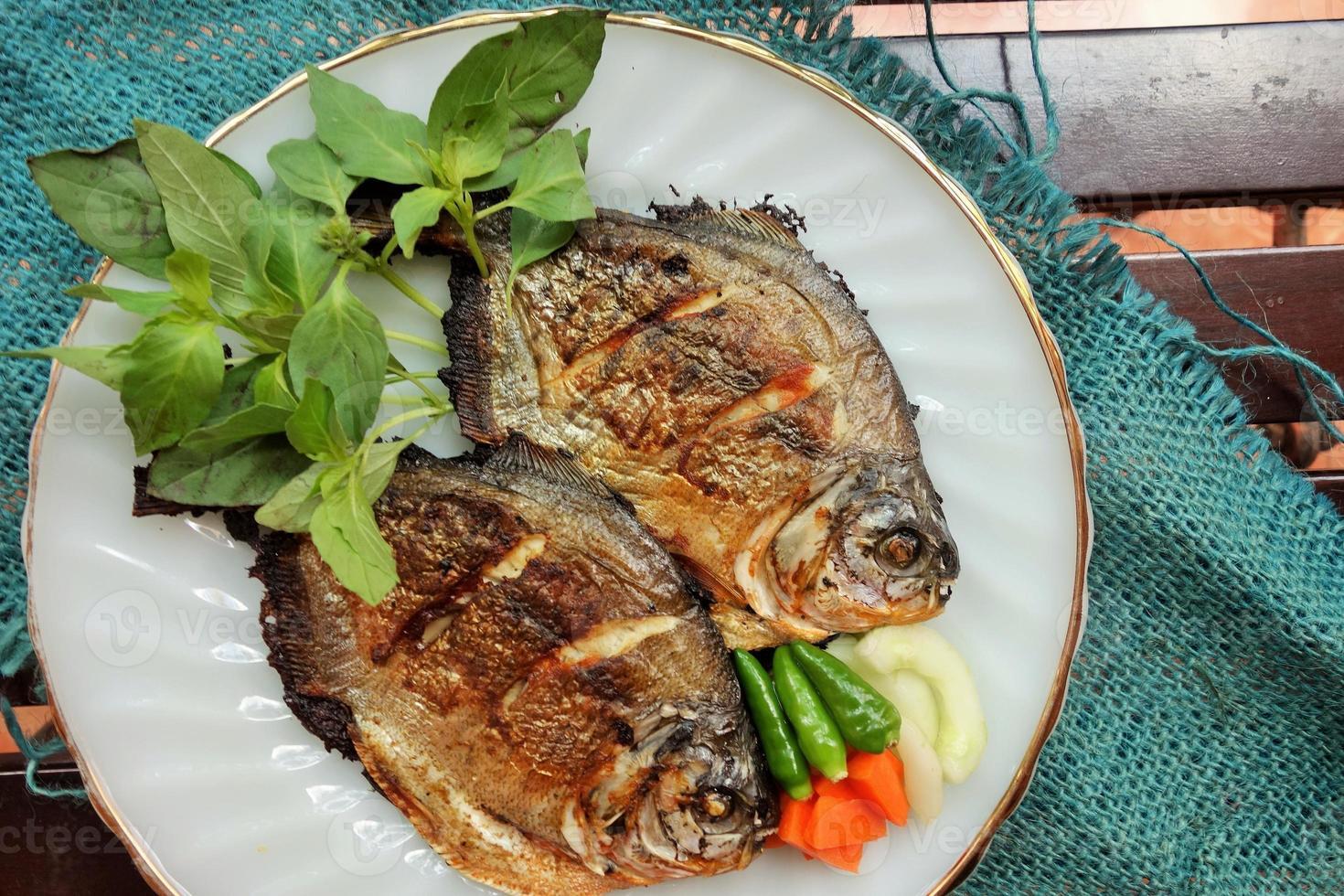 poisson pomfret photo