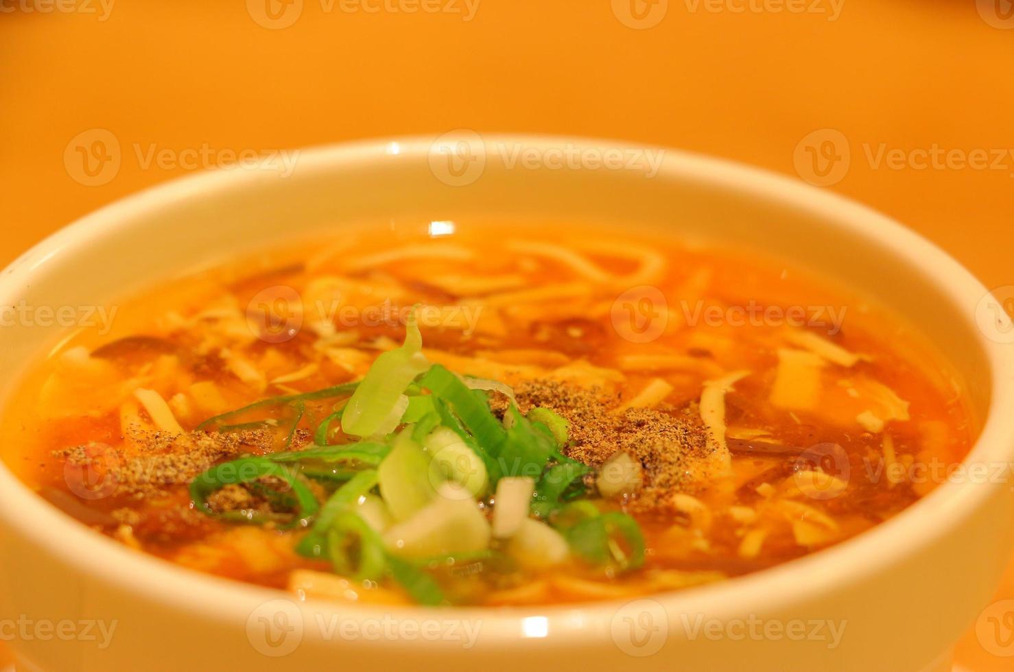 soupe chaude et aigre photo