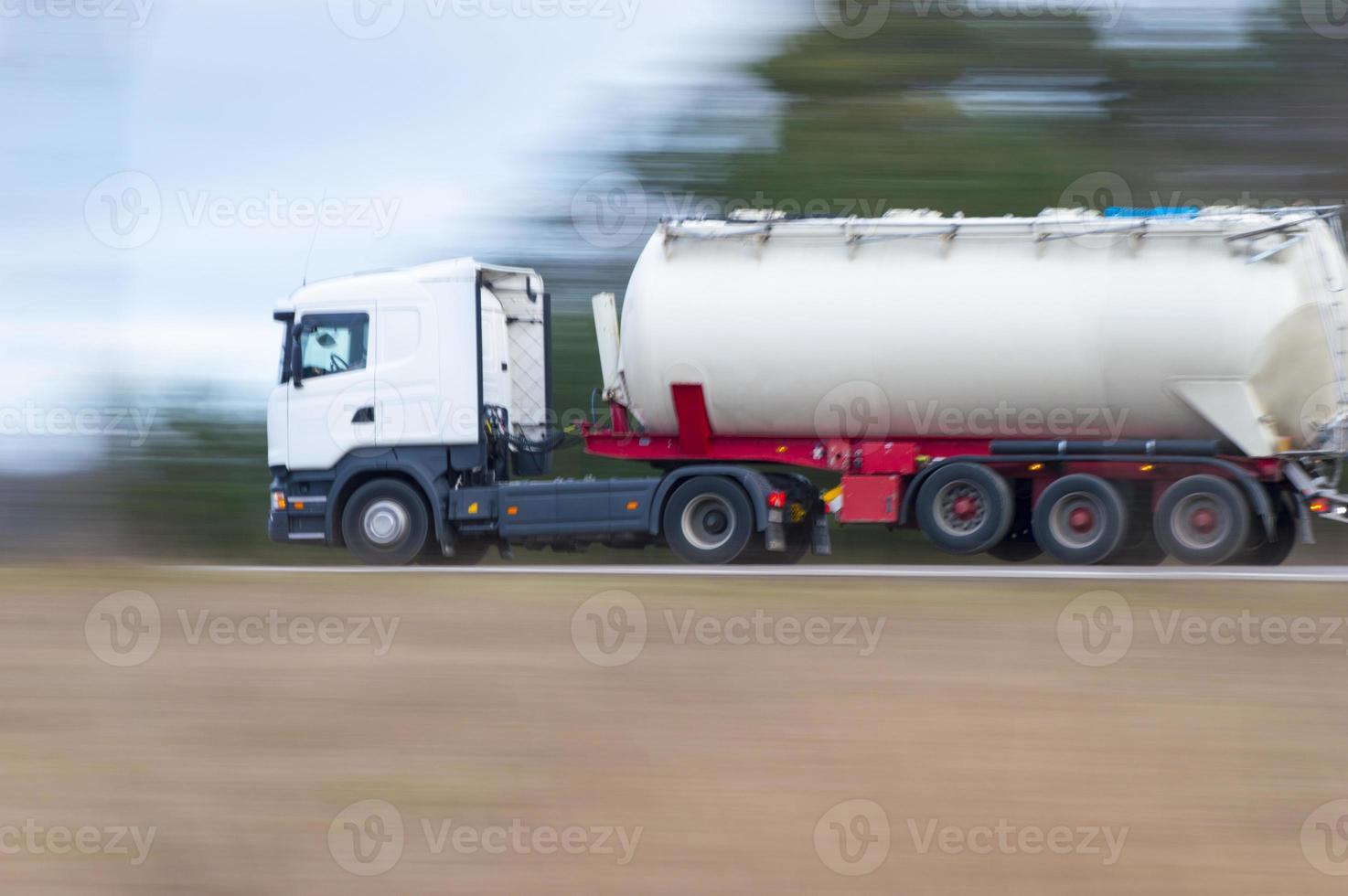 camion dans l'élan photo
