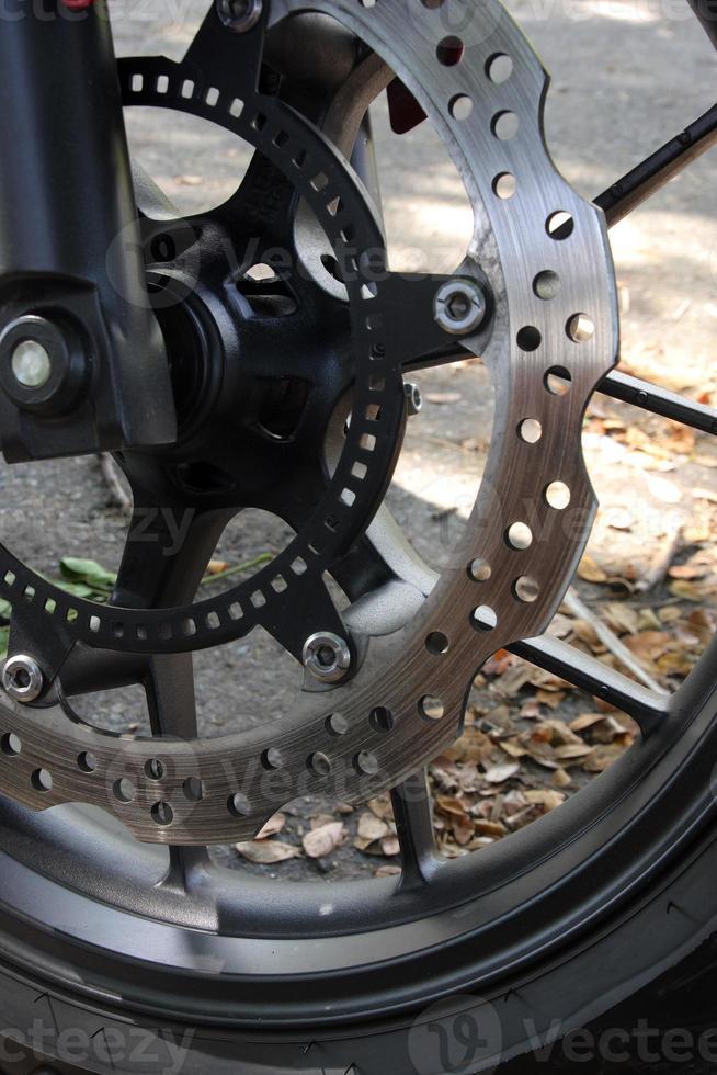 freins à disque d'une moto. photo