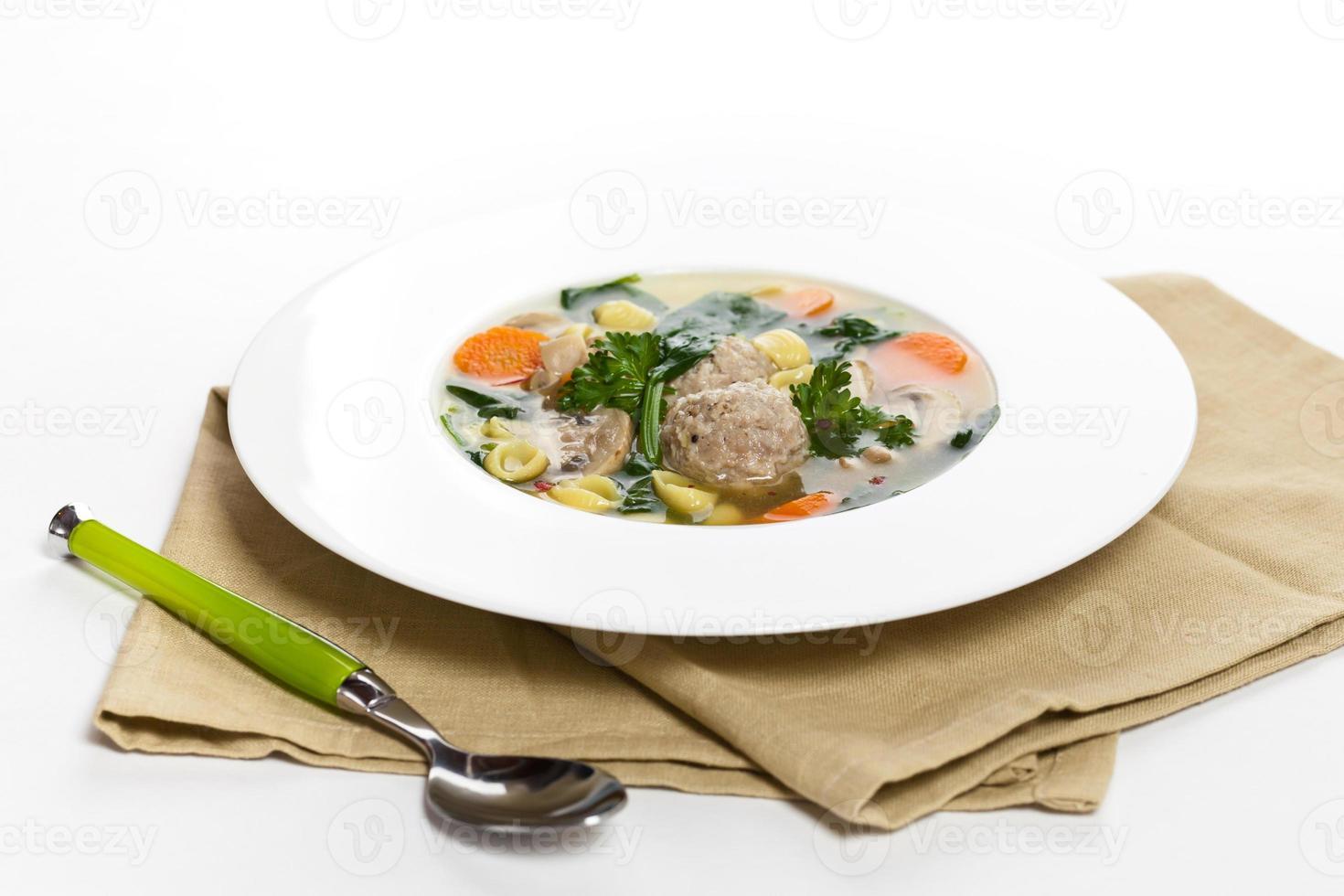soupe de boulettes de viande de poulet photo